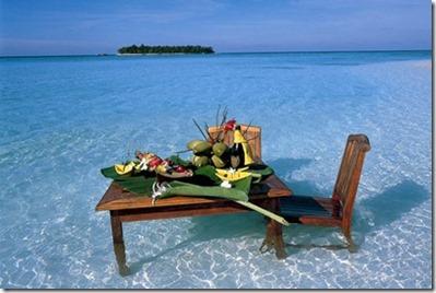 Angsana Ihuru in ocean dining
