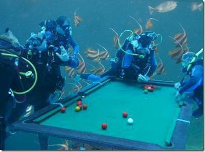 Avrilfulshi underwater pool