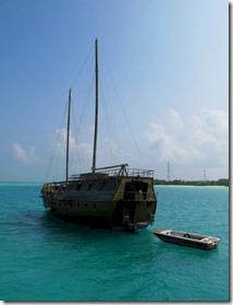 Barefoot - boat bar 2