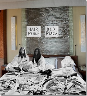Baros bed in Lennon Ono