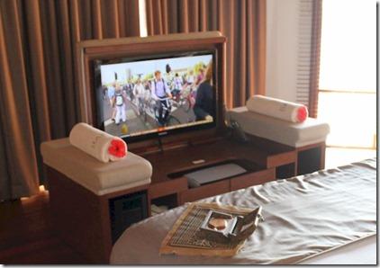 Baros hideaway tv