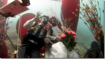 Centara Grand underwater wedding 2