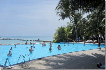 Club Med Kani pool disco