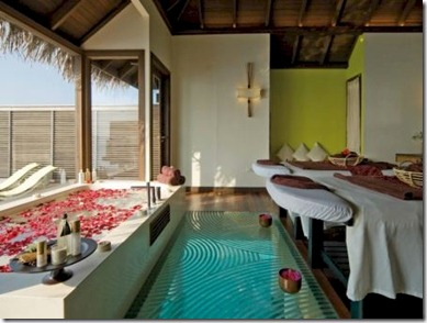 Coco Palm Bodu Hithi spa glass floor