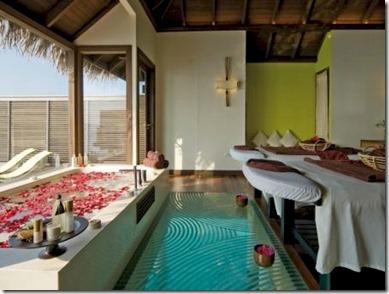 Coco Palm Bodu Hithi spa glass floor