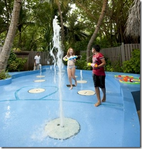 Conrad Maldives Rangali - kids fountain