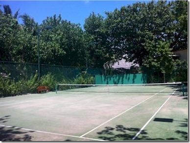 Conrad Rangali tennis court