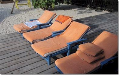Four Seasons Landaa Giraavaru kids sun beds