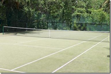 Gili Lankanfushi - astro turf tennis court