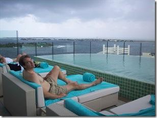 Holiday Inn Male - Pool Seating