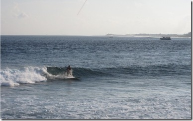Hudhuranfushi Left Hand Break Surfing