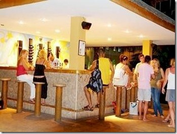 Hulhule bar