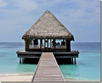 Huvafenfushi - over water gym 2