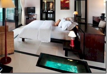Iru Fushi bedroom glass floor