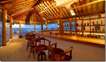 Island Hideaway Meeru Bar whiskey