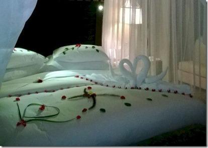 Jumeirah Dhevanafushi bed decoration