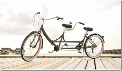 Jumeirah Vittaveli tendem bicycle