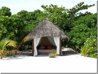 Kuredu Beach hut