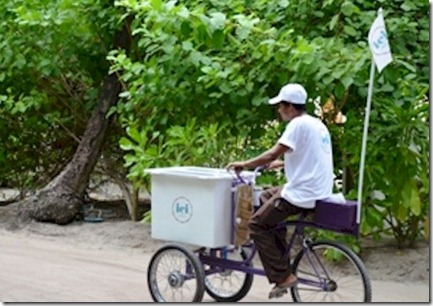 LUX Maldives ICI ice crean cart 2