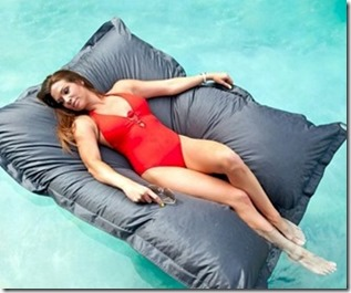 Maldives - not seen - float pillow