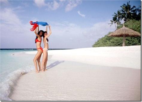 Miss France 2011 beach