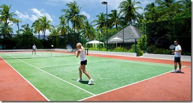 One and Only Reethi Rah tennis game