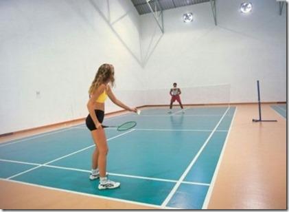 Reethi Beach badminton