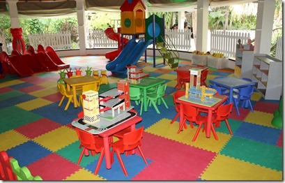Sun Siyam Irufushi - childrens dining play area