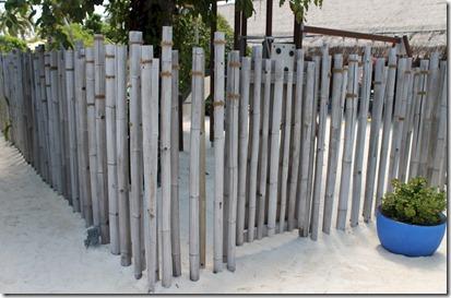 Velaa - bamboo fence