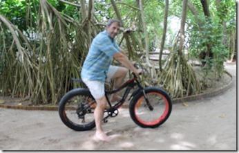 JA Manafaru - sand bike