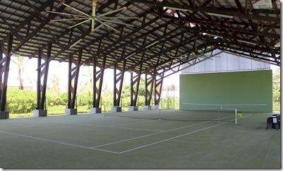 Velaa - covered tennis court