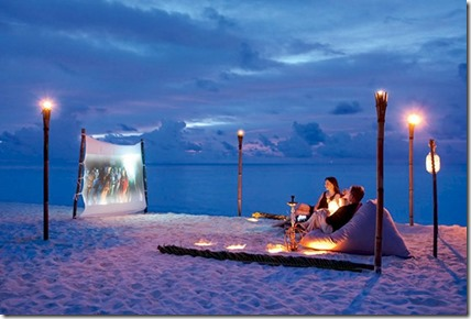 Constance Moofushi - private beach cinema