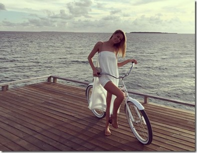 One and Only Reethi Rah - Jennifer Hawkins