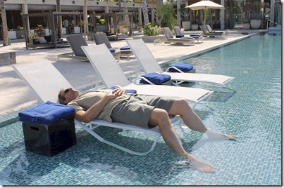 Velaa - in pool lounger