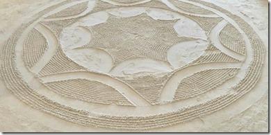 Angsana Velavaru - sand floor art 2