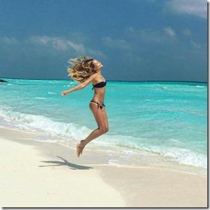 One & Only Reethi Rah - Natasha Poly - leap