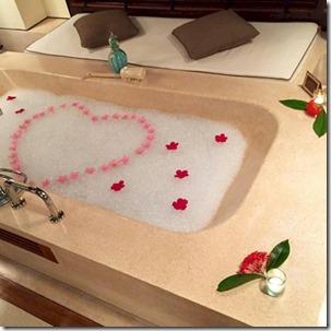 One & Only Reethi Rah - tub