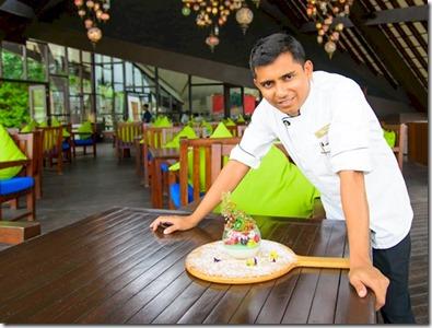 Jumeirah Vittaveli - ornate dessert 2