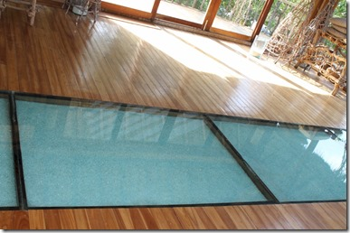 Soneva Fushi spa glass floor 2
