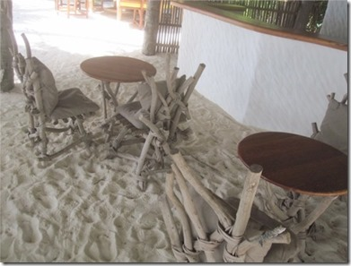 Gili Lankanfushi - knotted wood seating