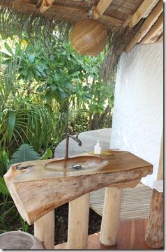 Soneva Fushi wood sink