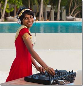 Amilla Fushi - Angie DJ