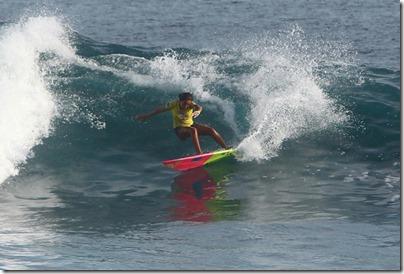 Adaraan Hudahuranfushi - Taina Izquierdo surf