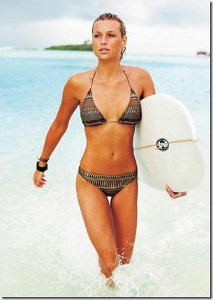 Cinnamon Island Dhonveli - Roxy Louw surf