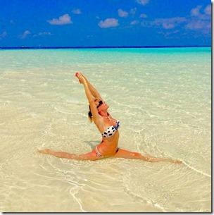 Constance Moofushi - Linzi B yoga