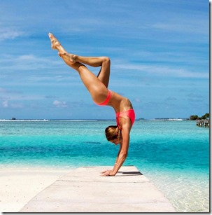 Four Seasons Landaa Giraavaru - Amanda Bisk yoga