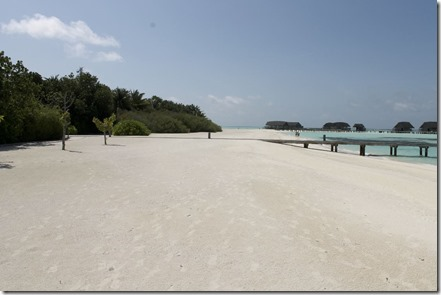 Cocoa Island - beach