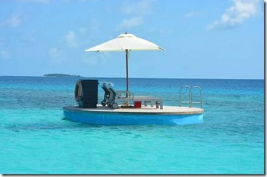 One and Only Reethi Rah - swimming platform
