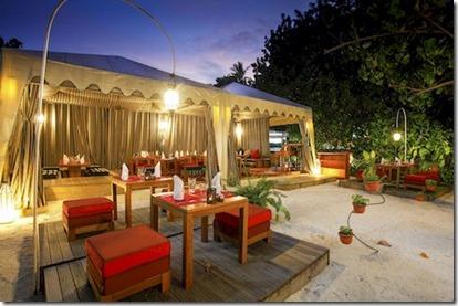 Centara Ras Fushi - bedouin dining