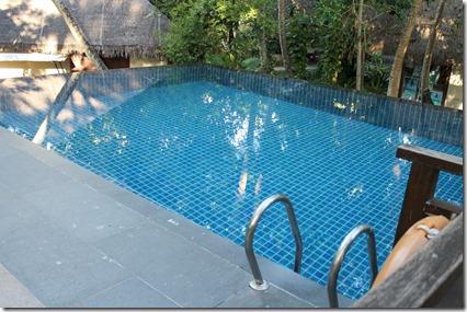 Shangri-La Villingili - dive centre pool